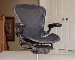 Офисное кресло руководителя Herman Miller Aeron